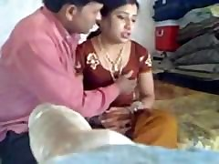 Bhabhi : indian shaved pussy